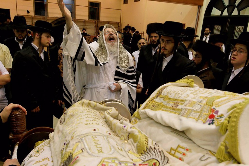 Israel, Bnei Brak. The Synagogue of the Premishlan congregation, Simchat Torah on the eights day of Succot, rejoicing the Torah : Stock Photo