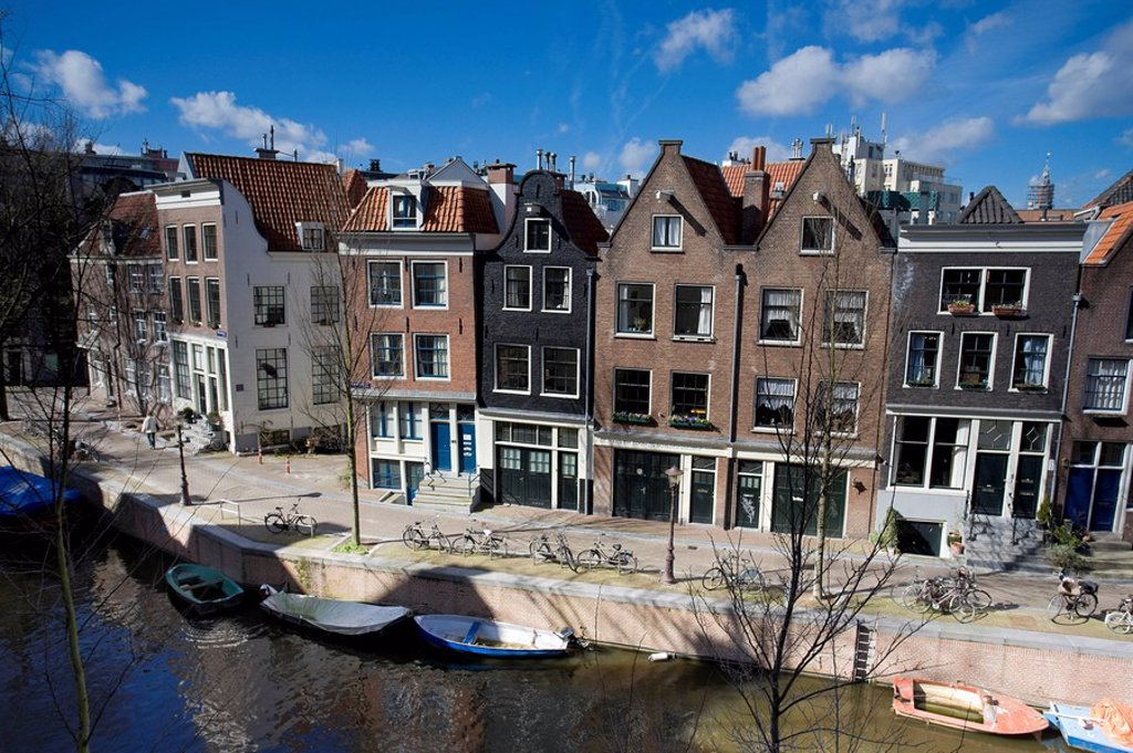 Stock Photo: 1609-39158 Kromboomsloot street and canal, Amsterdam, Holland