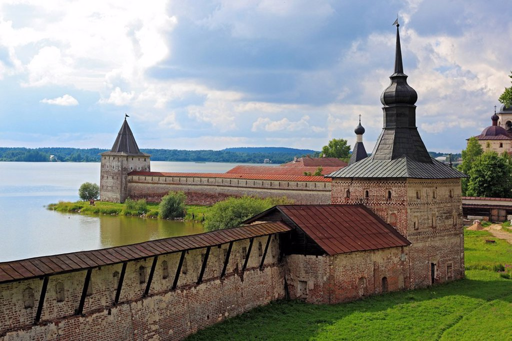Stock Photo: 1609-39762 Towers of Kirillo_Belozersky Monastery, Kirillov, Vologda region, Russia