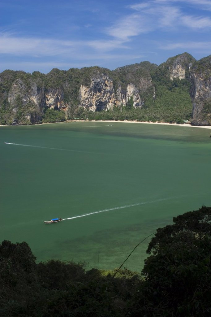 Limestone cliffs and West Rai Leh Beach, Laem Phra Nang Peninsula, Krabi Province, Thailand : Stock Photo