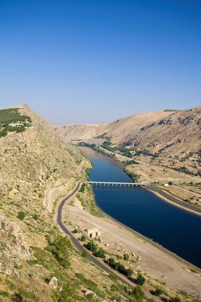 Turkey, Eastern Turkey, near Adiyaman, Ataturk Dam _ part of GAP Southeastern Anatolia Project : Stock Photo