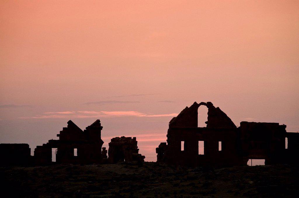 Turkey, Eastern Turkey, Harran, Ruins of Ulu Cami, 8th century : Stock Photo