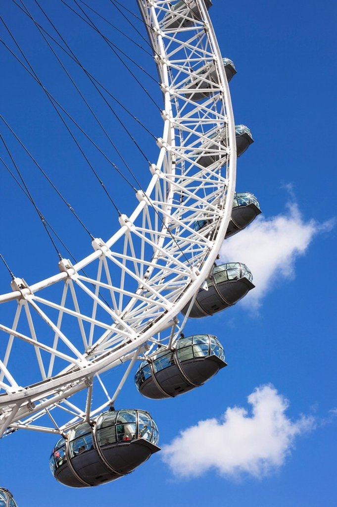 Stock Photo: 1609-42046 England, London, London Eye
