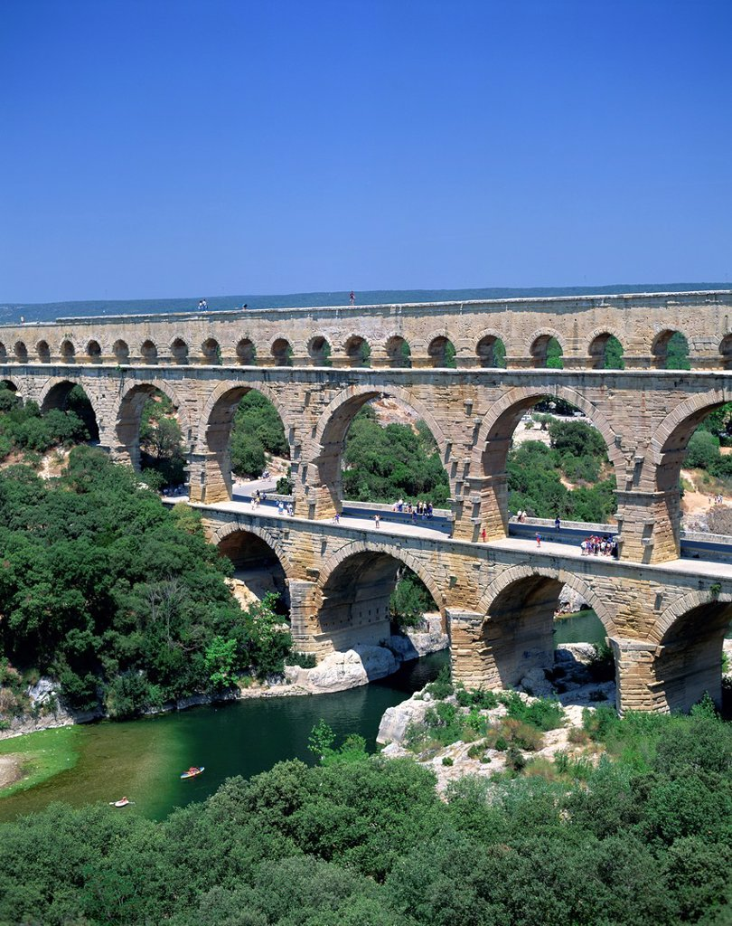 Stock Photo: 1609-43127 France, Languedoc_Roussillon, Pont du Gard