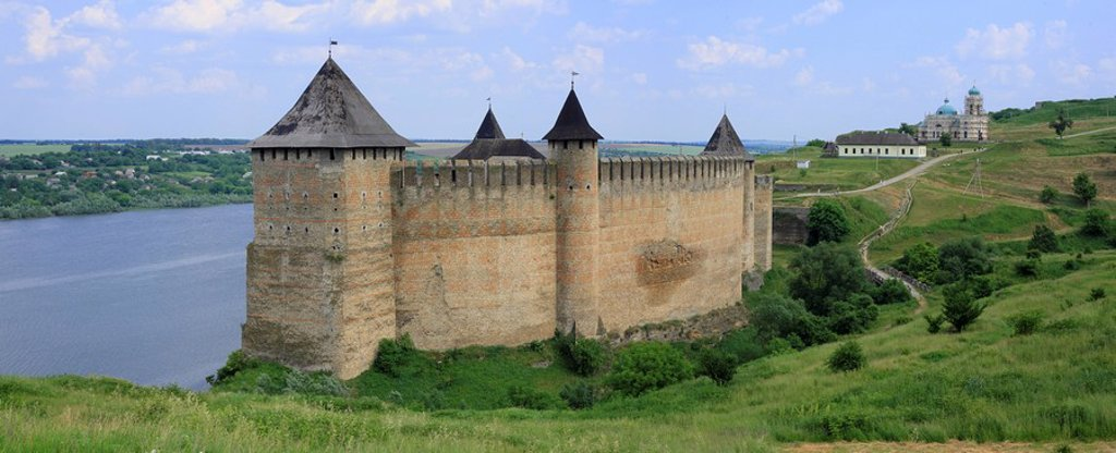 Khotyn fortress, Dniester river, Chernivtsi oblast province, Ukraine : Stock Photo