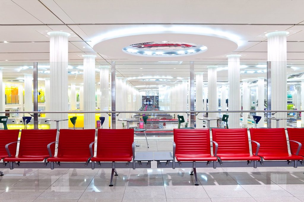 Stock Photo: 1609-43292 United Arab Emirates UAE, Dubai, Dubai International Airport, Terminal 3, Arrivals Hall