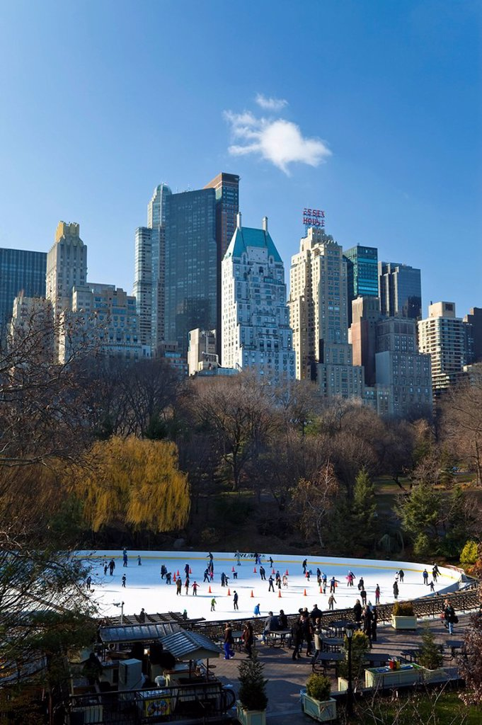 Stock Photo: 1609-44410 USA, New York City, Manhattan, Wollman Ice rink in Central Park