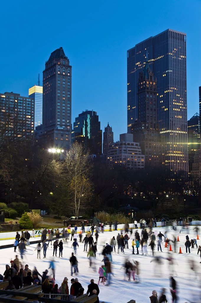Stock Photo: 1609-44411 USA, New York City, Manhattan, Wollman Ice rink in Central Park