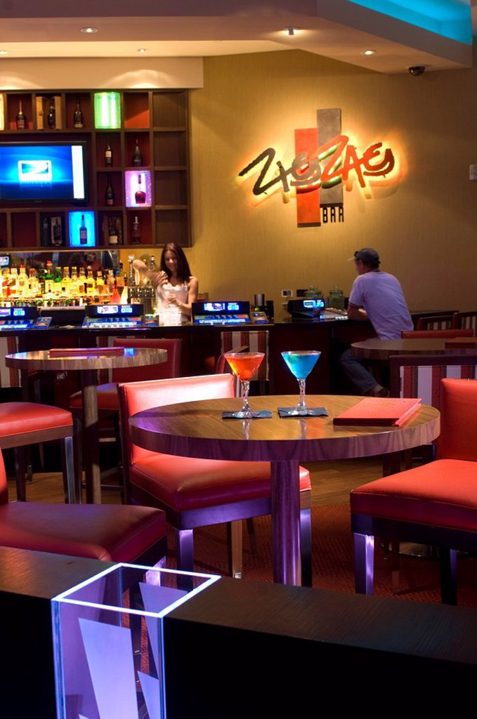 Stock Photo: 1609-44708 USA, Florida, Immokalee, Seminole Casino, ZigZag Bar