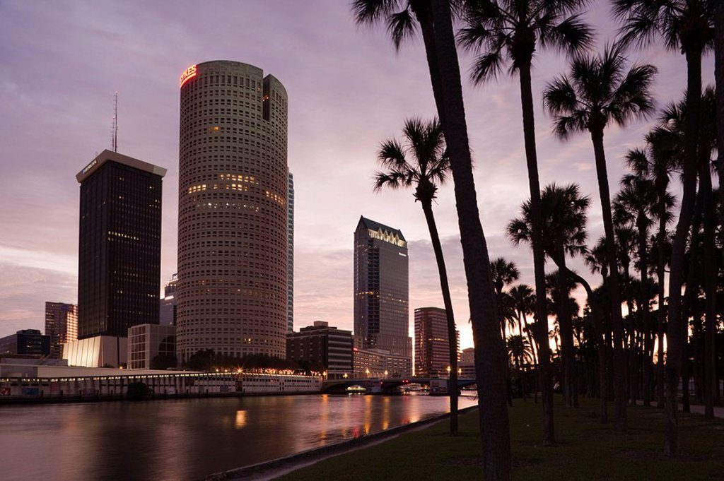 Stock Photo: 1609-44735 USA, Florida, Tampa, skyline from Hillsborough River
