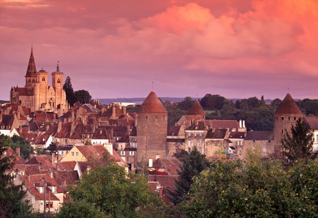 Stock Photo: 1609-4488 Semur-en-Auxois, Chablis, Burgundy, France