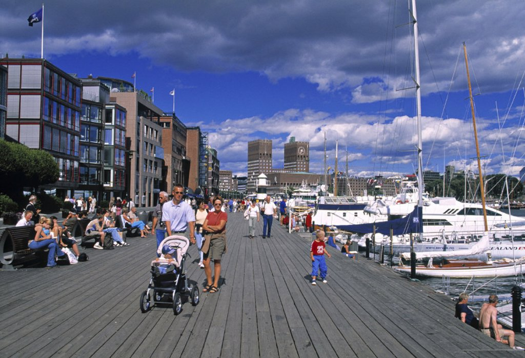 Stock Photo: 1609-8357 Harbour & Aker Brygge Shopping district, Oslo, Norway