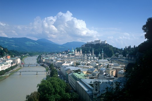 Stock Photo: 1609R-28257 Alt Stadt and Hohensalzburg Fortress, Salzburg, Austria