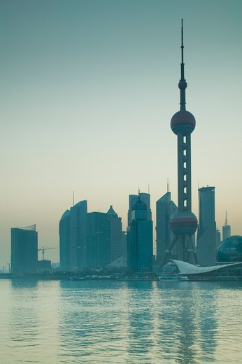 China, Shanghai, Pudong District, Oriental Pearl Tower and Huangpu River : Stock Photo