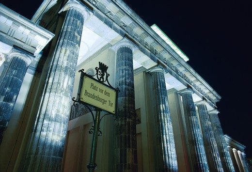 Stock Photo: 1609R-29004 Brandenburg Gate, Pariser Platz, Berlin, Germany