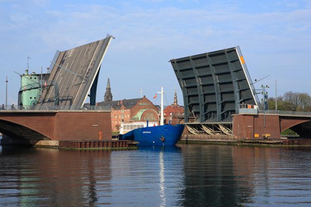 Stock Photo: 1609R-29088 Langebro bridge, Copenhagen, Denmark