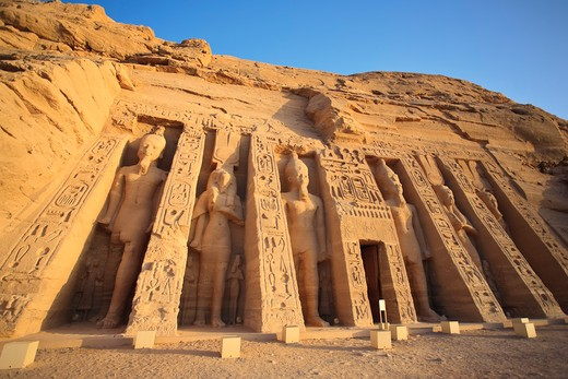 Stock Photo: 1609R-29113 Egypt, Abu Simbel, Temple of Nefertari and Hathor