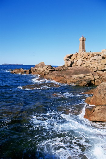 Ploumanach Lighthouse, Cote de Granit Rose, Cotes d'Amor, Brittany, France : Stock Photo