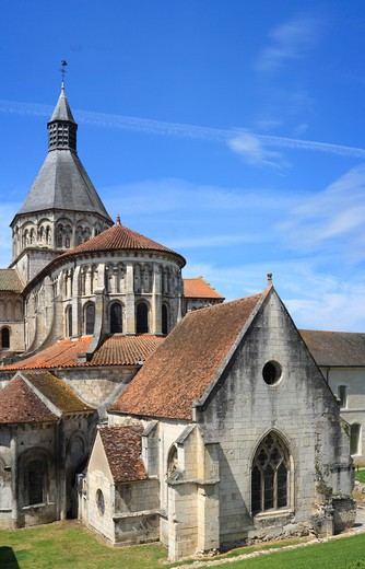 Church Sainte-Croix-Notre-Dame, UNESCO World Heritage Site, La Charité-sur-Loire, Burgundy, France : Stock Photo