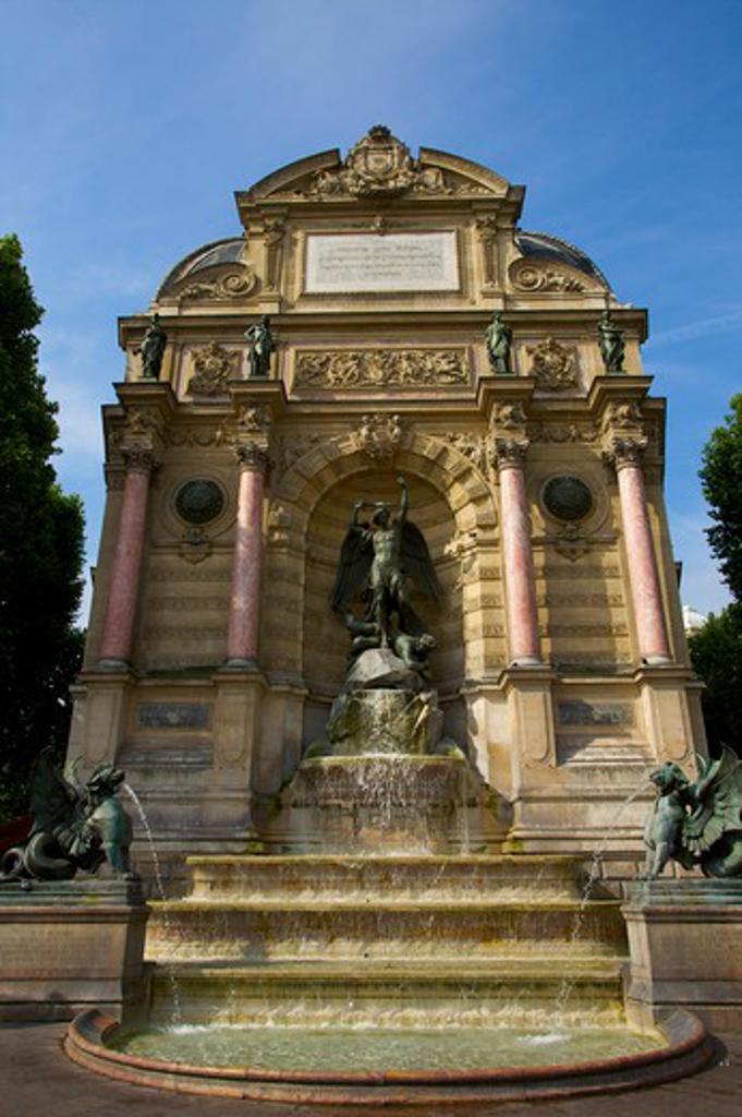 Stock Photo: 1609R-29475 Place St. Michel, Paris, France