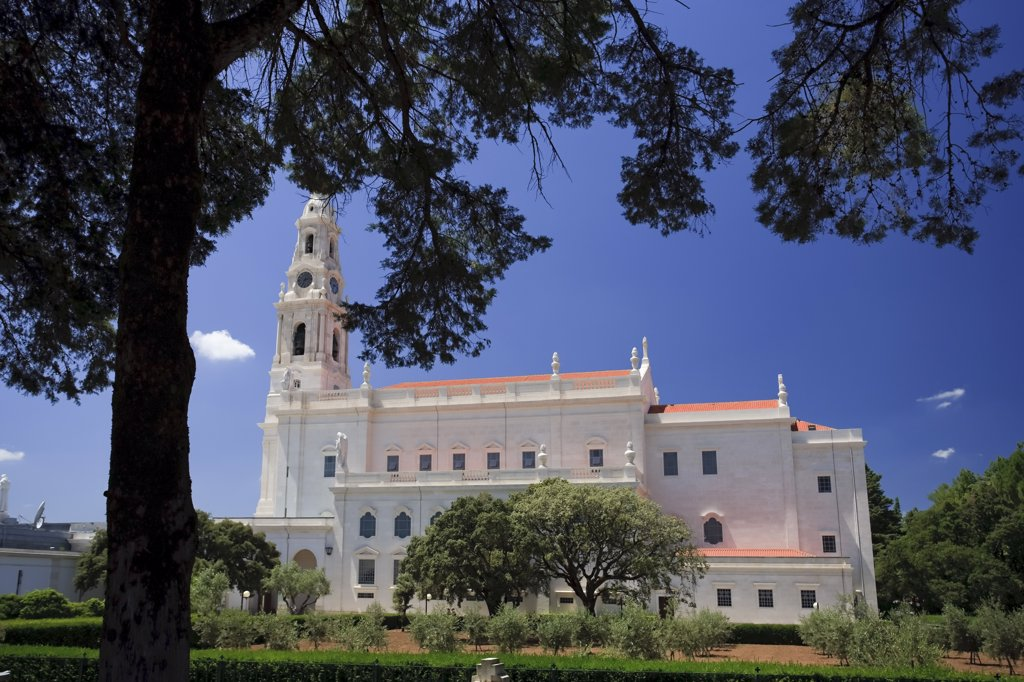 Stock Photo: 1609R-31069 Main Basilica, Fatima, Estremadura, Portugal