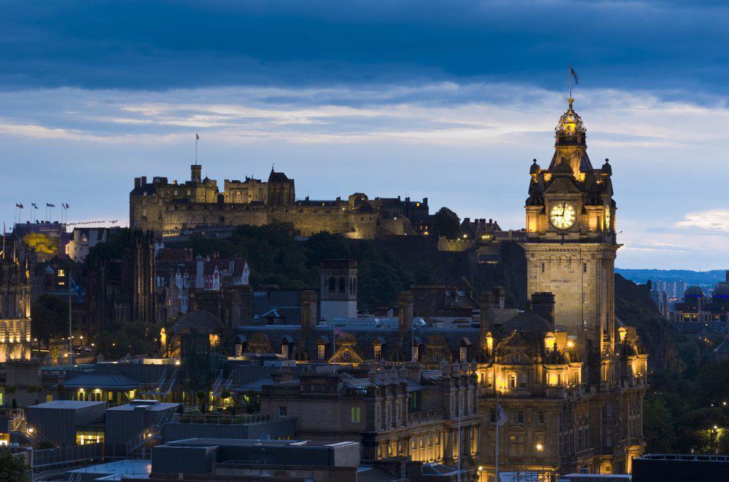 UK, Scotland, Edinburgh, Balmoral Hotel and Edinburgh Castle : Stock Photo