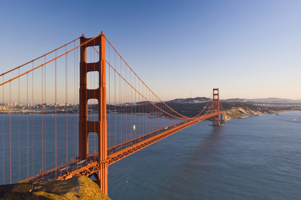 Stock Photo: 1609R-32505 USA, California, San Francisco, Golden Gate Bridge
