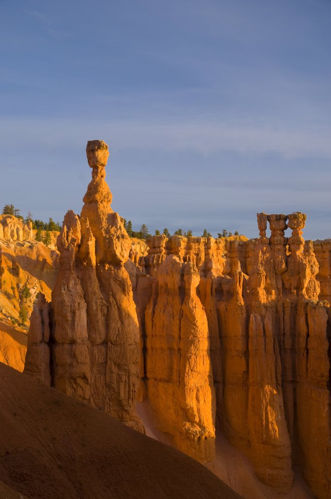 Stock Photo: 1609R-32517 USA, Utah, Bryce Canyon National Park, Thors Hammer near Sunset Point
