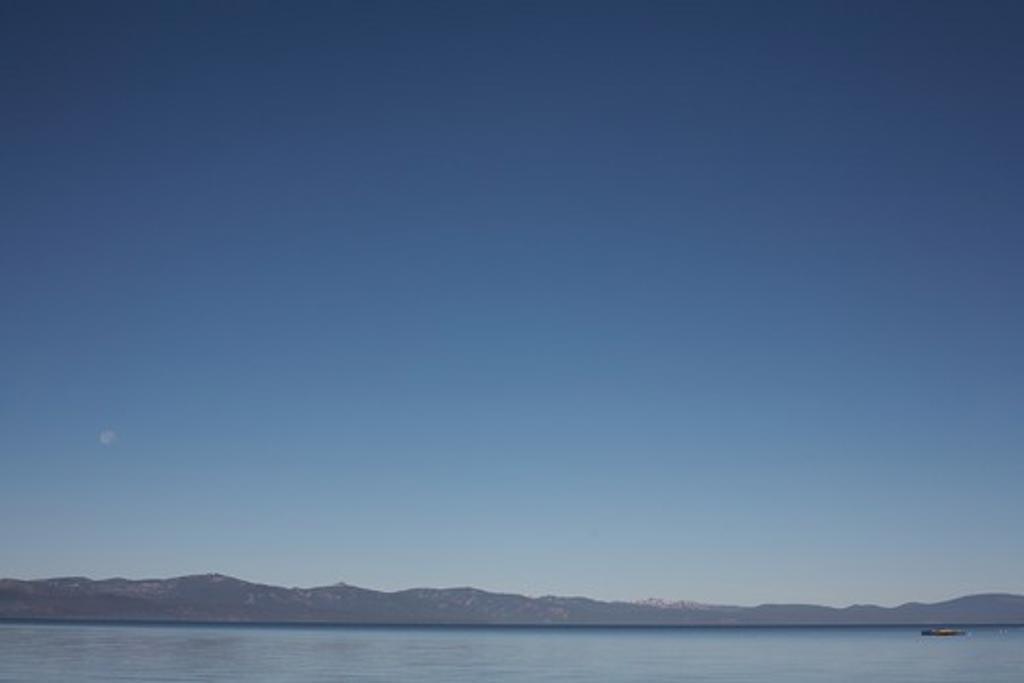 Stock Photo: 1619-159 Lake and a mountain range, Lake Tahoe, California, USA