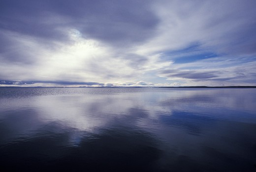 Tranquil seascape : Stock Photo