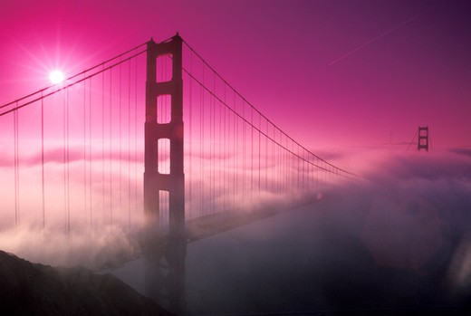 Golden Gate Bridge in Morning Fog : Stock Photo
