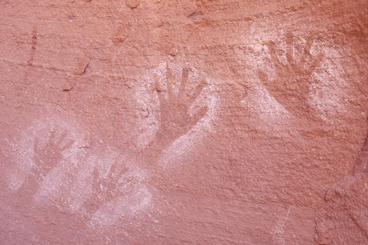 Stock Photo: 1626R-20684 Hands on a Stone Wall