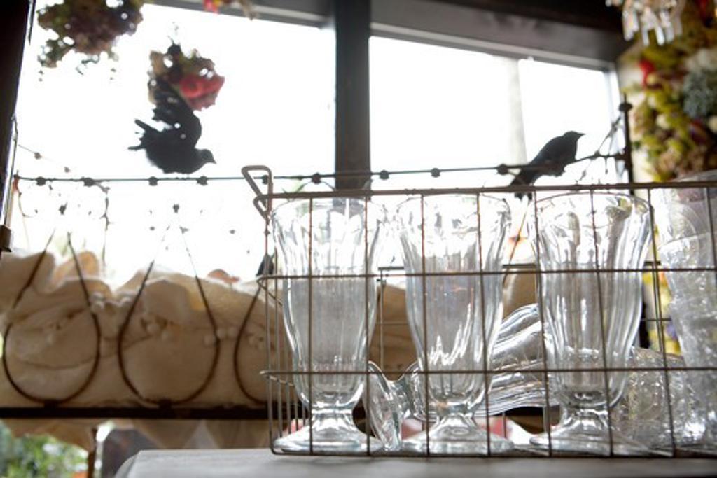 Stock Photo: 1626R-21936 Rack of Sundae Dishes