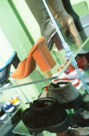 Stock Photo: 1626R-2607 Selling Shoes