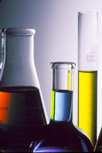 Stock Photo: 1626R-2870 Test Tubes and Beakers