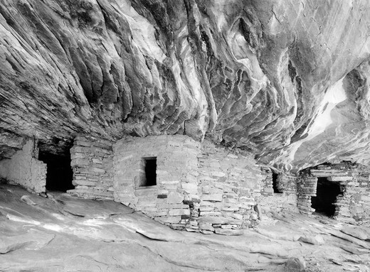 Stock Photo: 1626R-5064 Native American Ruins