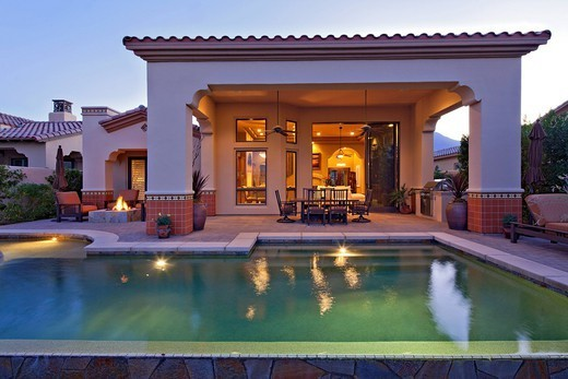 Stock Photo: 1654-50420 Palm Springs, USA. View of swimming pool in mansion