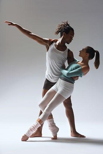 Ballet dancer supporting ballerina : Stock Photo