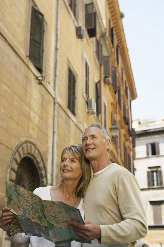 Stock Photo: 1654R-16743 Tourist Couple
