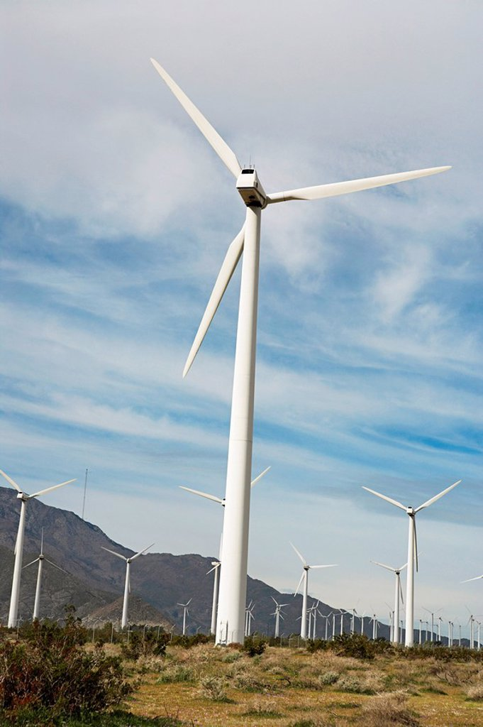 Stock Photo: 1654R-28891 Wind turbines at wind farm