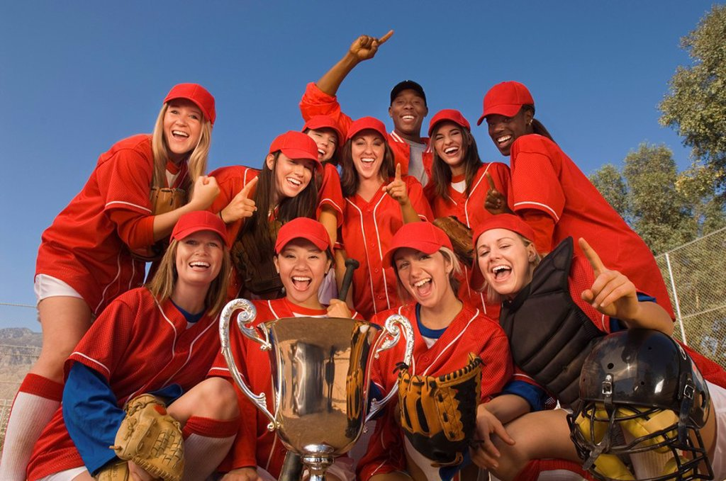 Women´s softball team with trophy portrait : Stock Photo