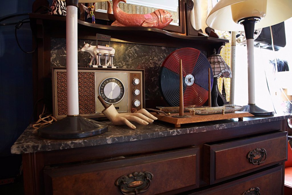Stock Photo: 1654R-34308 Vintage Collectibles in Second Hand Store