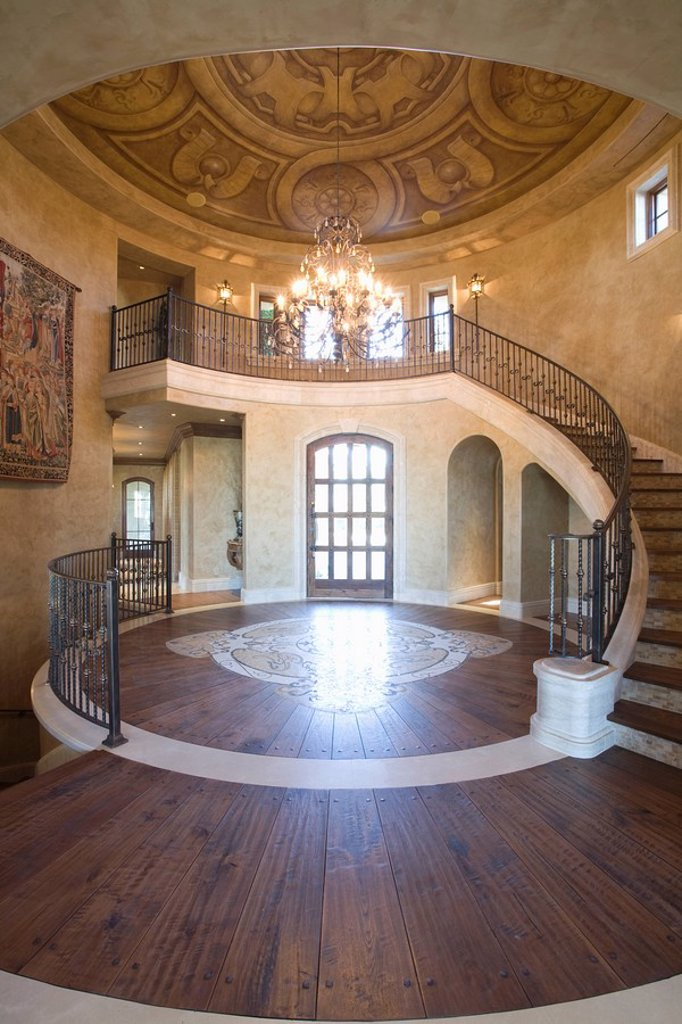Stock Photo: 1654R-44461 Circular entrance hallway and staircase with handrail Palm Springs