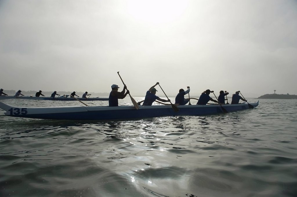 Outrigger canoeing team compete : Stock Photo