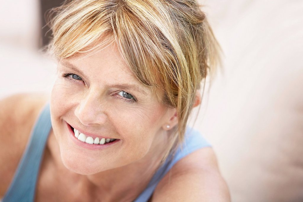 Middle_aged woman smiling portrait : Stock Photo