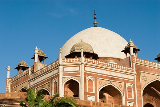 Stock Photo: 1657R-11345 Low angle view of the dome of a monument, Humayun Tomb, New Delhi, India