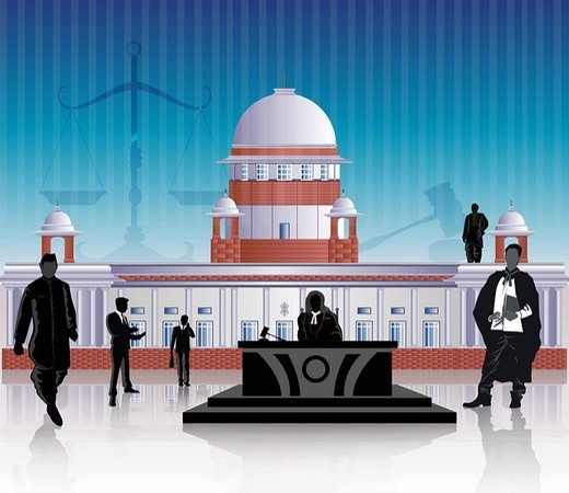 People in front of a courthouse, Supreme Court, New Delhi, India : Stock Photo