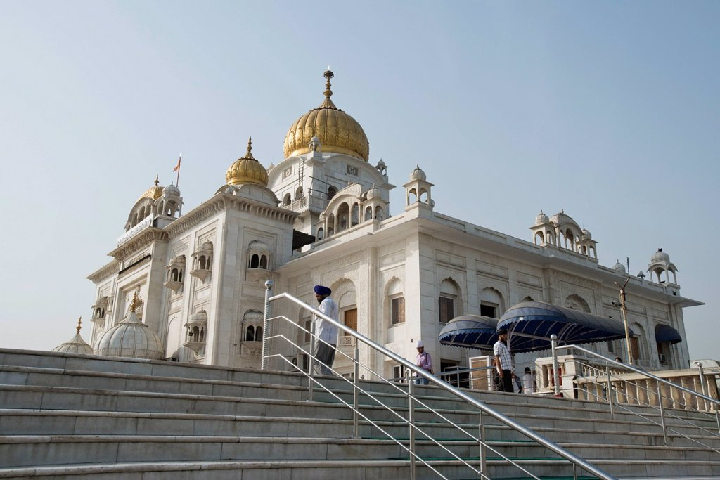 Stock Photo: 1657R-43407 Low angle view of a gurdwara, Gurudwara Bangla Sahib, New Delhi, Delhi, India