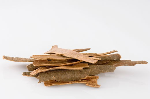 Close-up of a heap of Cinnamon : Stock Photo