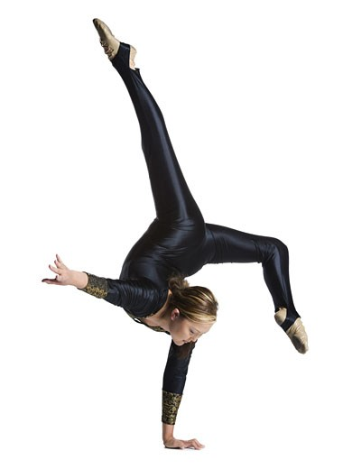 Stock Photo: 1660R-13911 Female contortionist